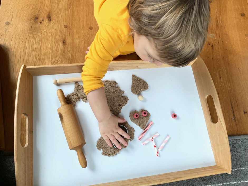kinetic sand valentine activities for toddlers